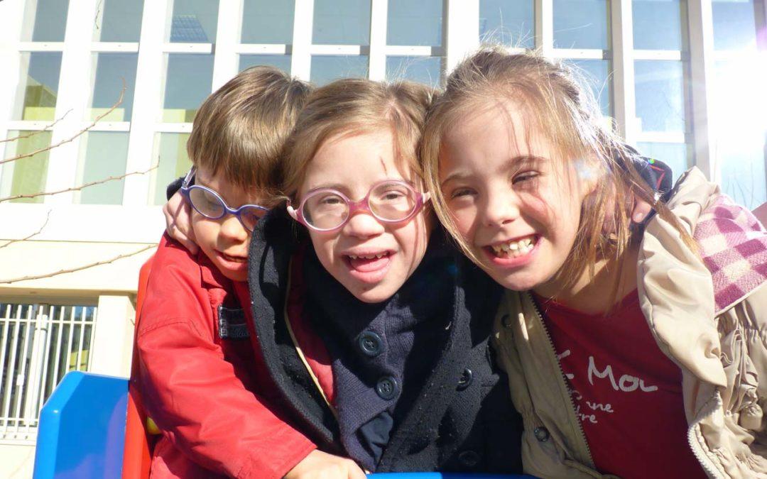 Des parents disent comment l'Ecole accueille les enfants avec Trisomie 21